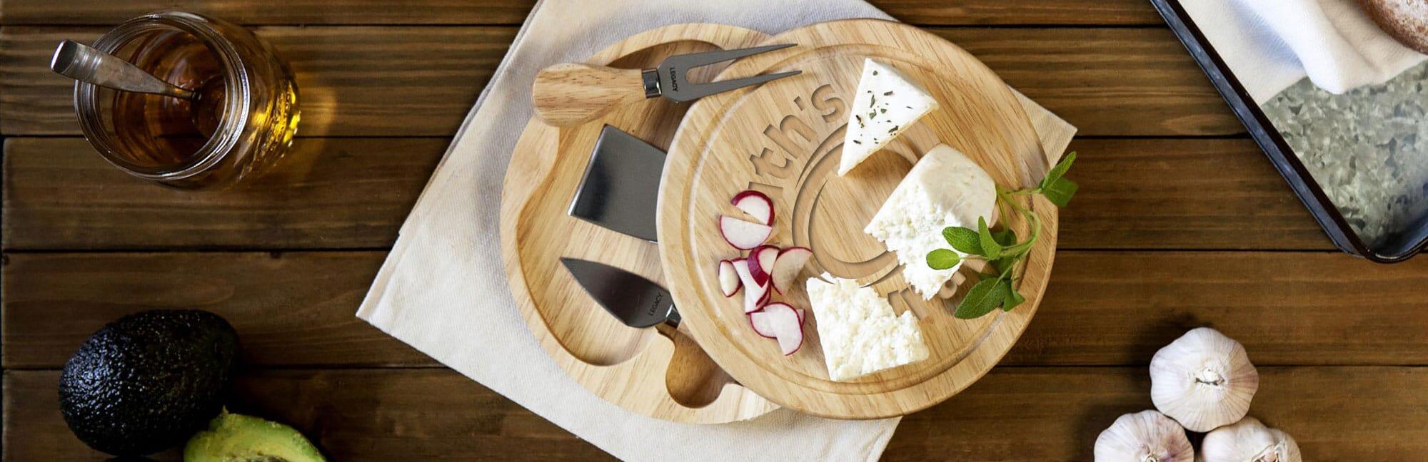 Customized cheeseboard gift