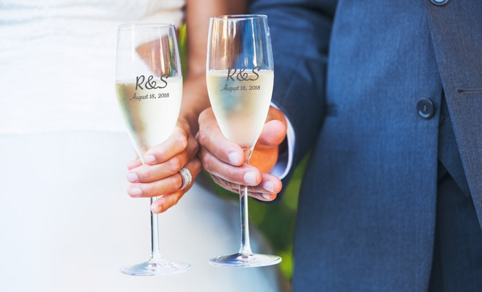 Customized champagne glasses for wedding party