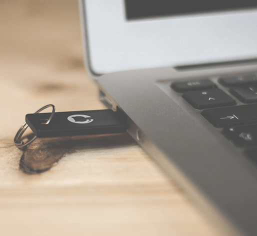 How to Choose and Design Your Own Custom USB Flash Drives