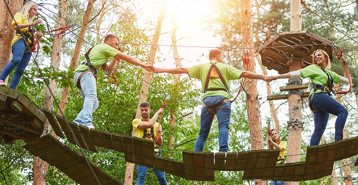 corporate employee team building ropes course activity