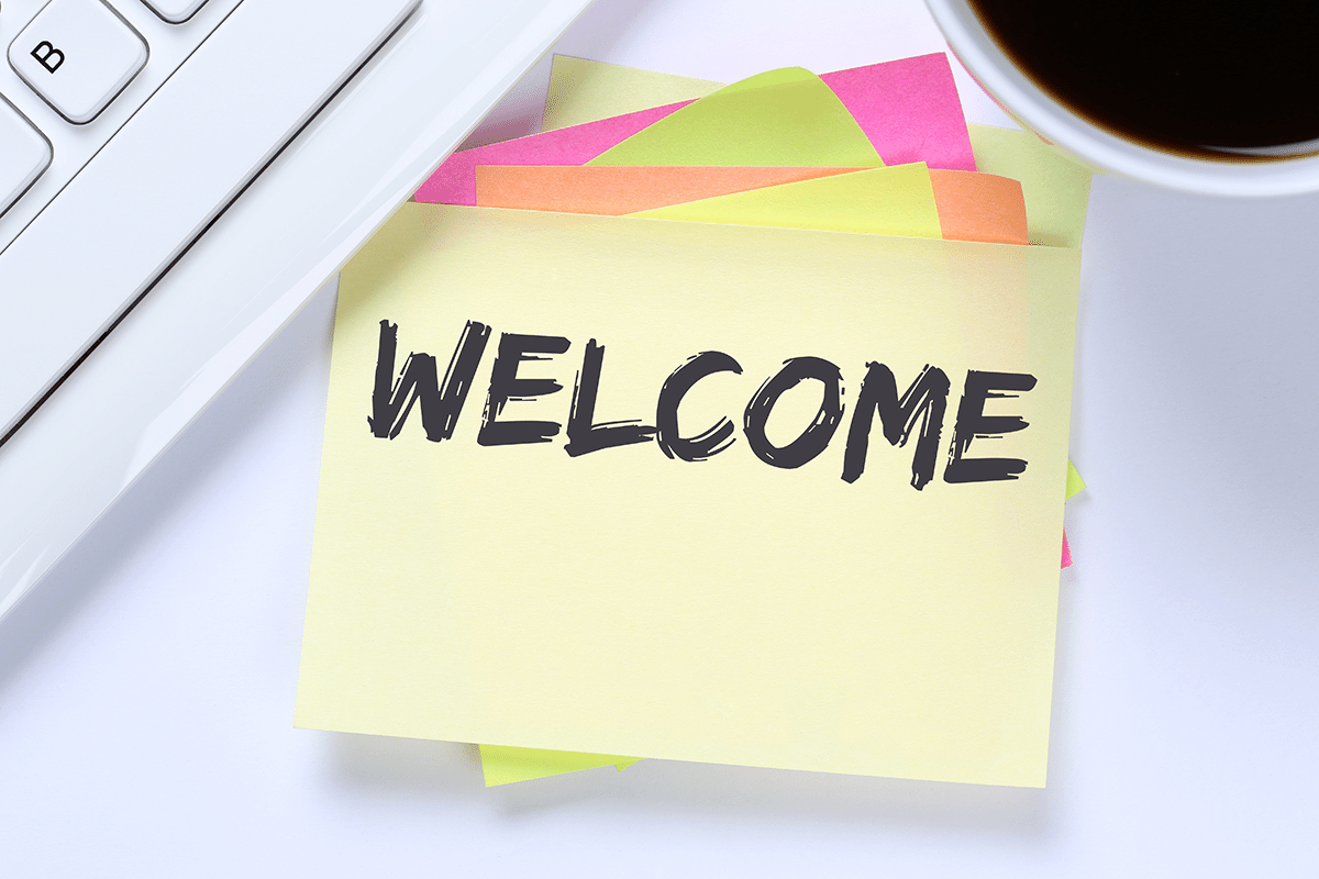 post-it notes with the word welcome