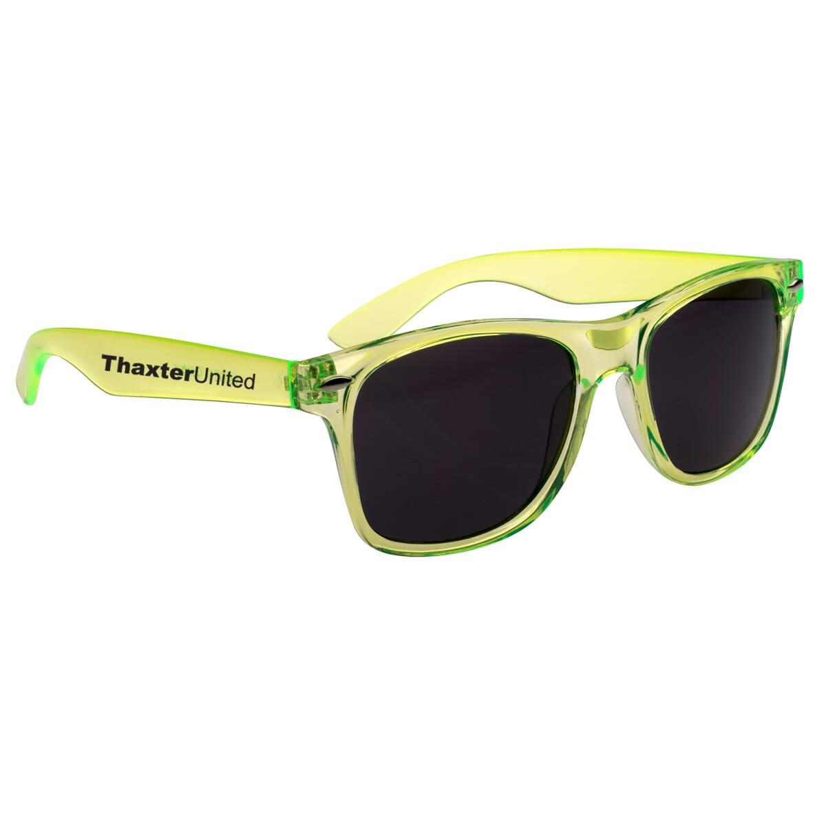 Retro sunglasses with translucent yellow frames